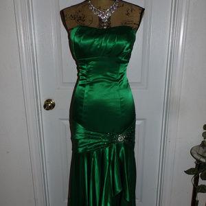 Satin Night Moves Emerald Green Formal Dress